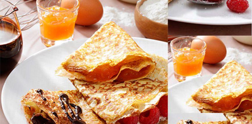 Les crêpes nature aux œufs, mais aussi aux fruits rouges et crème chantilly à la confiture et au chocolat