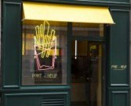 Pont-Neuf, une boutique à frites à Paris